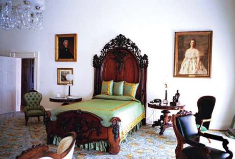 lincoln-bedroom-c2001-e.jpg